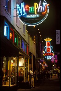 Music-on-Beale-Street-Memphis_Tennessee